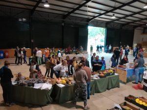 Mercado en la caseta municipal